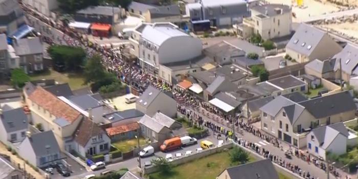 Tour de France, journée historique à Saint-Martin-de-Bréhal!