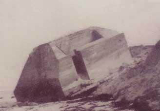 Le blockhaus de la plage de Saint-Martin-de-Bréhal
