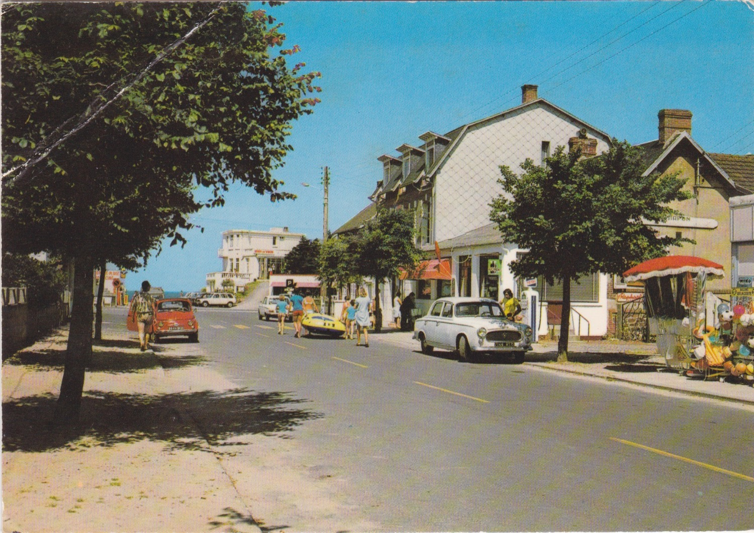 1975 St Martin Rues Rue de la Plage Café Chapon © collection Jean Claude (...)